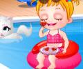 Brincando na piscina com Baby Hazel