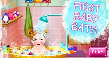 Dando o primeiro banho no bebê