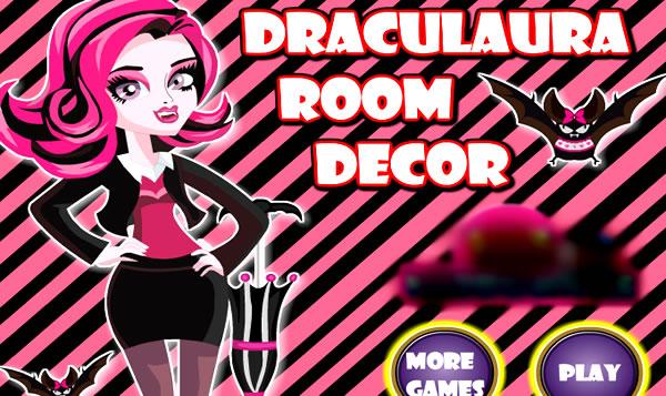 Decorando a sala da Draculaura